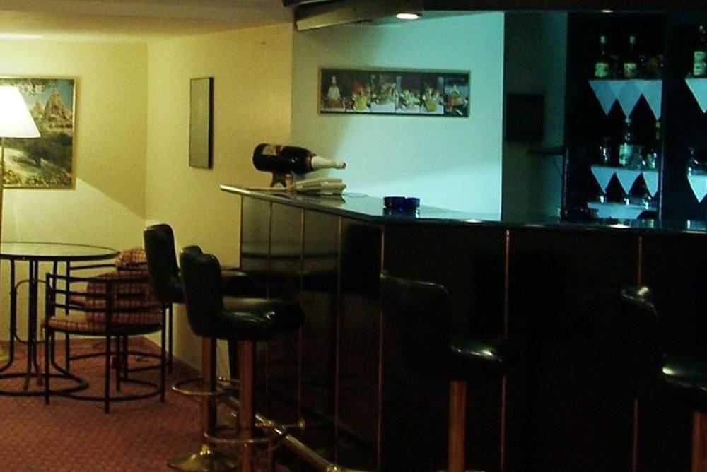aden-hotel1545032387