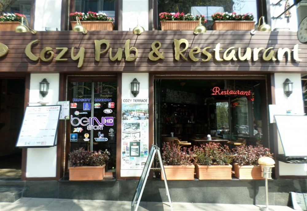Cozy-Restaurant-Cafe-Pub