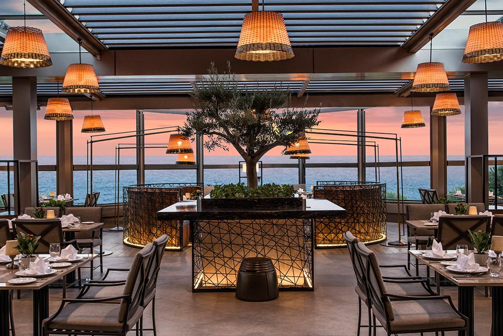 daphne-restaurant1545907308