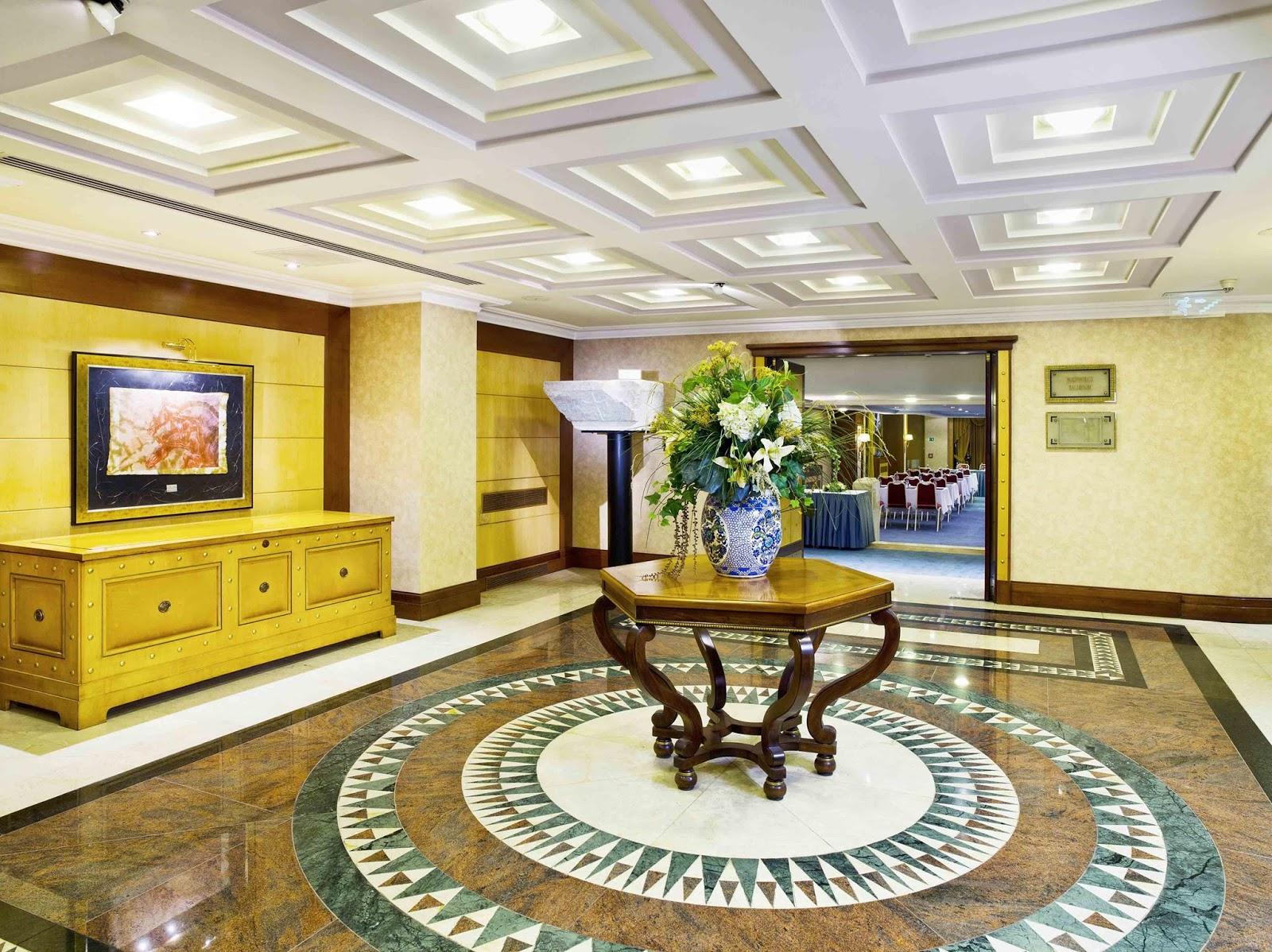 eresin-crown-hotel1549538367