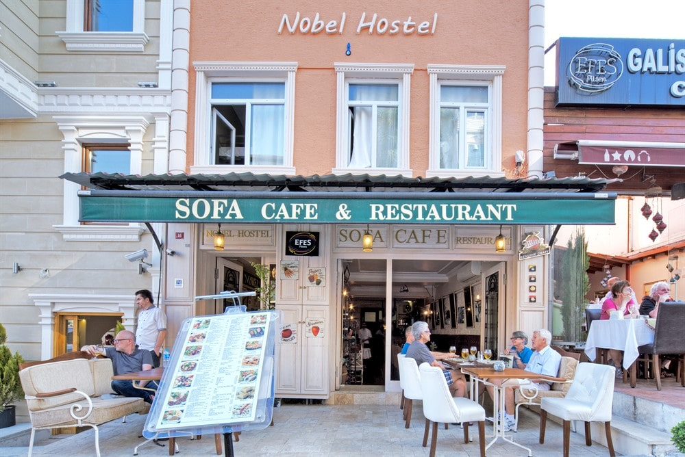 Sofa-Cafe-Restaurant